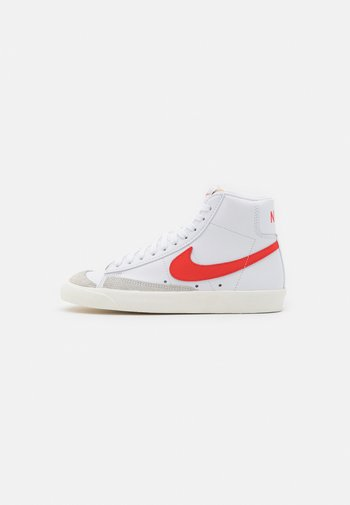 BLAZER MID '77 - High-top trainers - white/habanero red/sail
