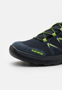 Lowa - INNOX PRO GTX LO LACING UNISEX - Hiking shoes - stahlblau/limone - 5