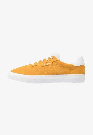 3MC - Joggesko - active gold/footwear white