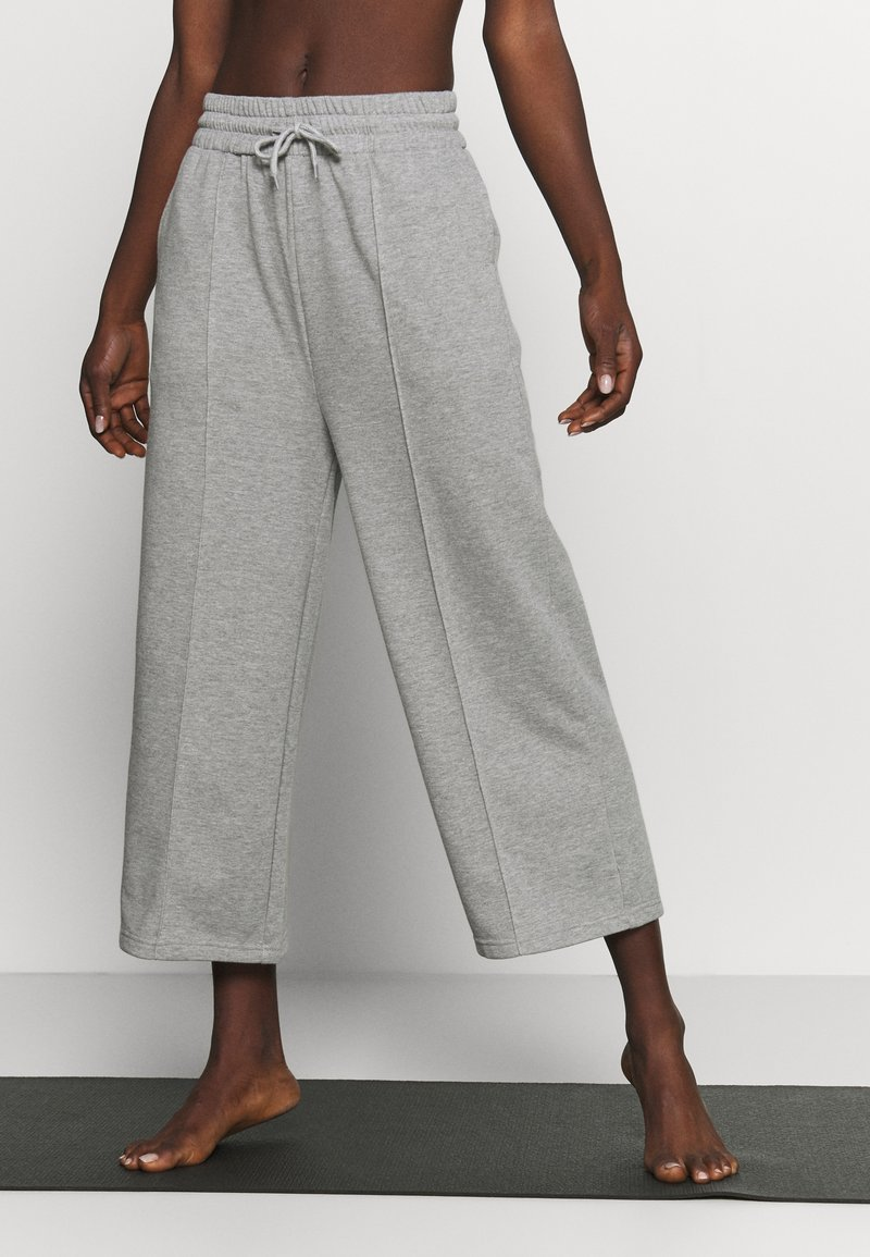 South Beach - CROPPED CITY PANT - Pantalones deportivos - grey