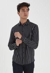 Casual Friday - Shirt - navy blazer - 0