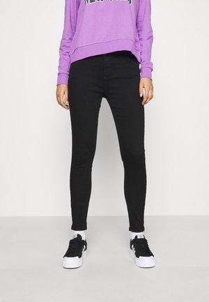 NMKIMMY ANK DART - Jeans Skinny Fit - black denim