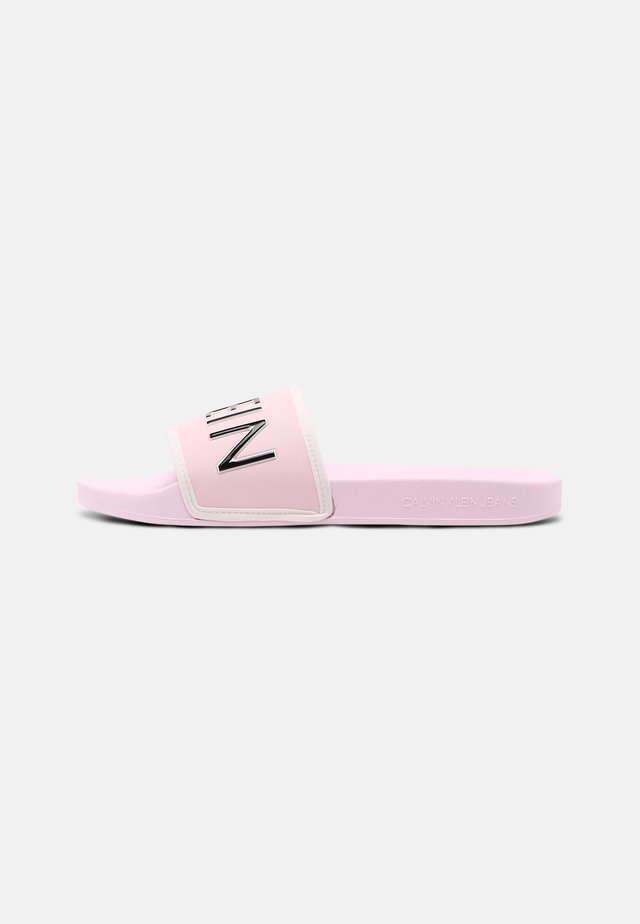 SLIDE PADDED - Pantofle - pearly pink