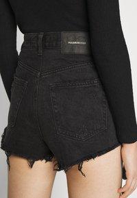 PULL&BEAR - Szorty jeansowe - black - 4