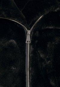 Vero Moda - VMTHEA BIKER JACKET - Winter jacket - black - 6