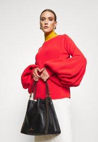 MICHAEL Michael Kors - MINA CHAIN TOTE - Handbag - black - 0