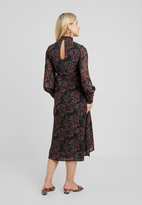 Hope & Ivy Maternity - LONGSLEEVE A LINE DRESS - Day dress - red/black - 2