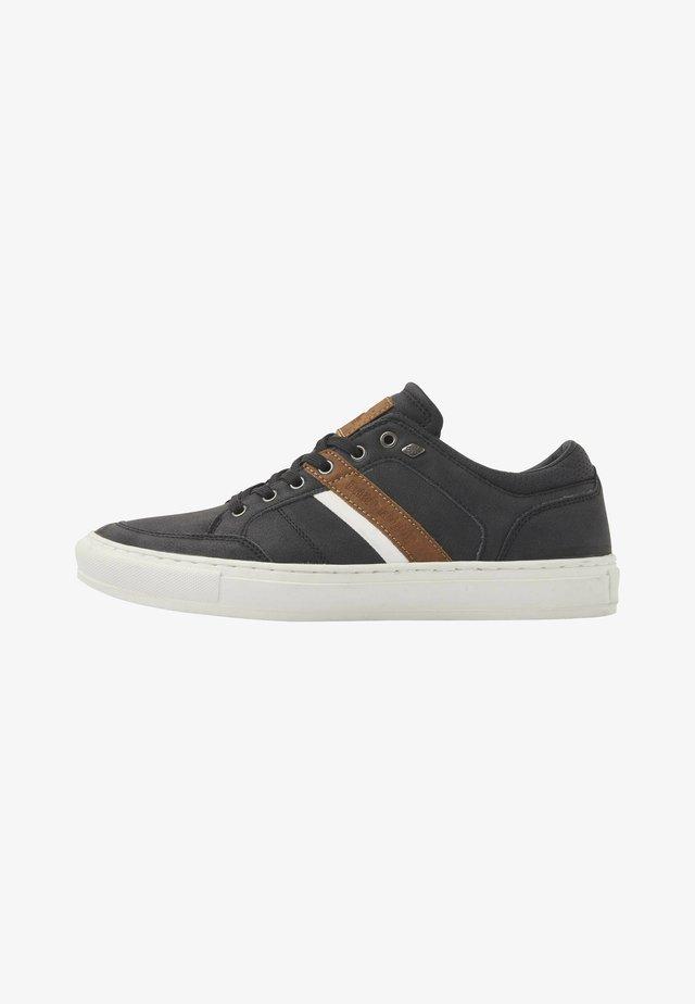 Sneakers - black/cognac