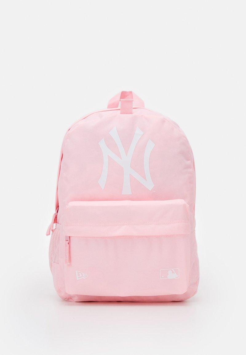 New Era - MLB STADIUM PACK - Rugzak - new york yankees pnk