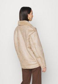 NA-KD - STEPHANIE DURANT SLANTED POCKET - Light jacket - beige - 2
