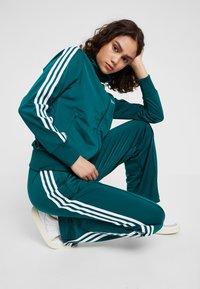 adidas Originals - FIREBIRD - Træningsjakker - noble green - 5