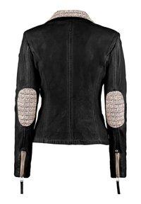 DNR Jackets - MIT STRICKELEMENTEN UND KONTRASTVERARBEITUNG - Leather jacket - black - 1