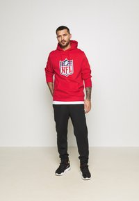 Fanatics - NFL ICONIC SECONDARY LOGO GRAPHIC HOODIE - Bluza z kapturem - uni red