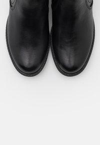 Tamaris - Kotníková obuv - black - 5