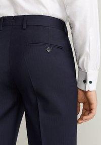 Mango - MILANO - Suit trousers - dunkles marineblau - 4