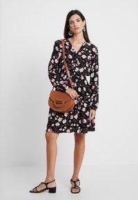 Esprit - PRINT DRESS - Skjortekjole - black - 2