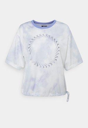 T-shirts med print - light thistle