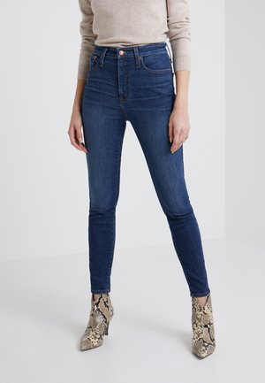 CURVY - Jeansy Slim Fit - dryden wash
