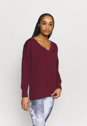 YOGA COVER UP - Sweatshirt - night maroon/dark beetroot