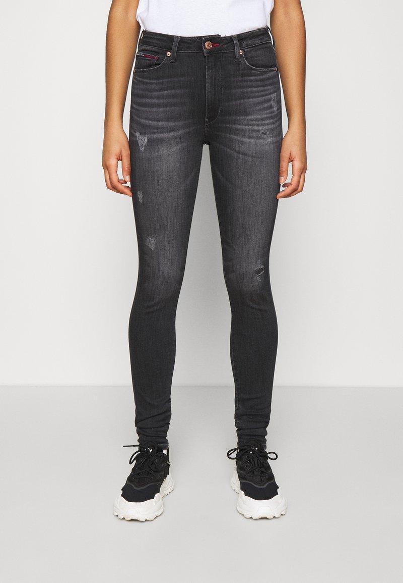 Tommy Jeans - SYLVIA HR SUPER SKNY RBSTD - Jeans Skinny Fit - rudy black