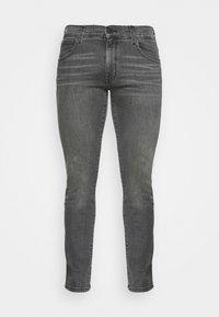 Wrangler - LARSTON - Jeans slim fit - husky black - 3