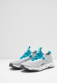 The North Face - SKAGIT WATER SHOE - Boty na vodní sporty - high rise grey/caribbean sea - 2
