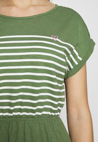 TOM TAILOR DENIM - MINI DRESS WITH STRIPES - Jersey dress - green - 5