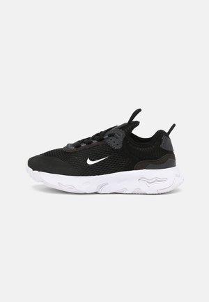 RT LIVE UNISEX - Sneakers laag - black/white/dark smoke grey