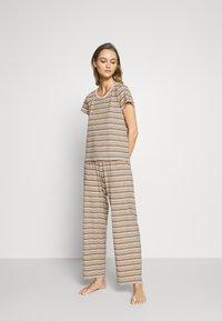 Monki - TAMRA - Pyjama set - beige/candy - 1