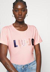 Liu Jo Jeans - T-shirts med print - wild rose - 3