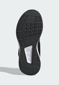 adidas Performance - RUN  2.0 CLASSIC RUNNING - Neutral running shoes - black - 4