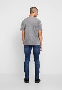 Tommy Jeans - SCANTON SLIM - Jeans slim fit - nassau dark - 2
