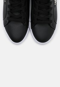 Guess - PEETUR - Sneakers alte - black - 5