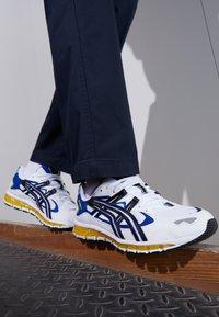 ASICS SportStyle - GEL-KAYANO 5 360 - Trainers - white/black - 3