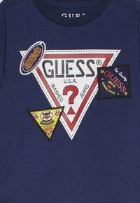 Guess - TODDLER  - Langærmede T-shirts - deck blue - 3