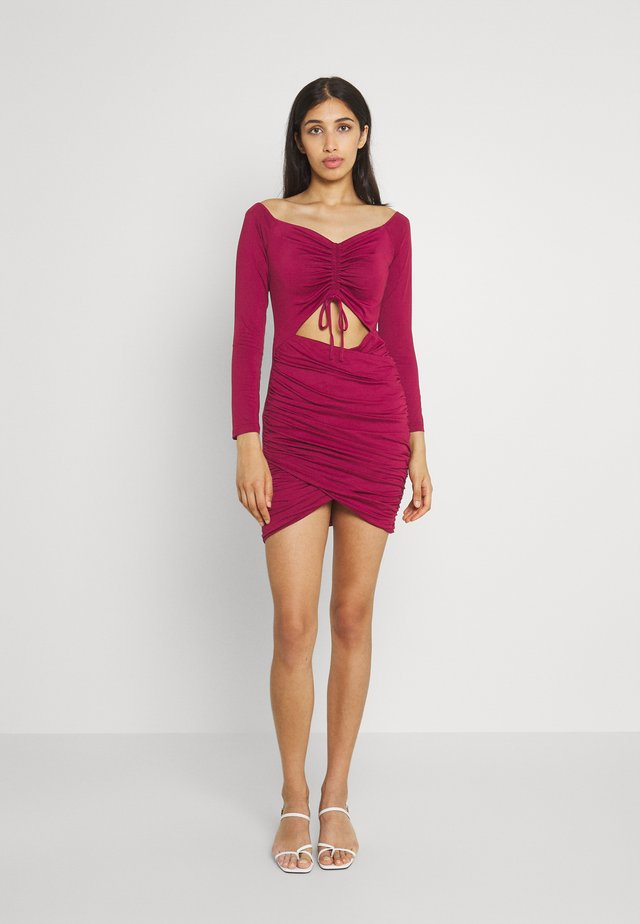 RUCHED BARDOT CUT OUT MINI DRES - Cocktail dress / Party dress - wine
