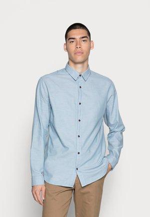JORGLOBE SOLID  - Camisa - blue heaven