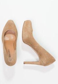 Pura Lopez - High heels - beige - 3