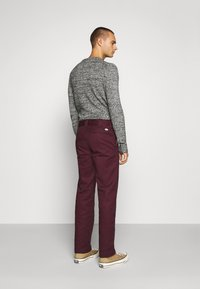 Dickies - 873 SLIM STRAIGHT WORK PANT - Pantalones - maroon - 2