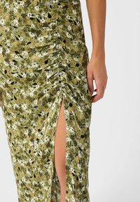 Stradivarius - Pencil skirt - light green - 3