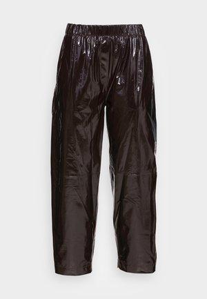 PALOMA TROUSERS - Kožené kalhoty - chocolate plum