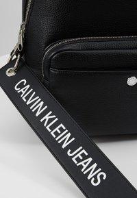 Calvin Klein Jeans - CKJ BANNER CP BACKPACK 35 - Rucksack - black - 6