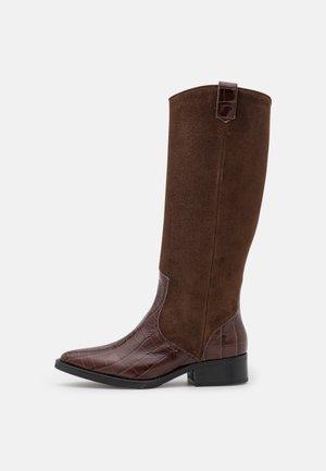 KNEE HIGH BOOTS - Botas - brown patina