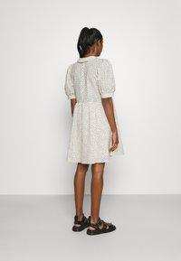 Object - OBJNOUR DRESS - Abito a camicia - sandshell - 2