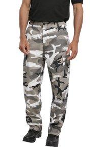 Brandit - Pantaloni cargo - snowcamo - 5