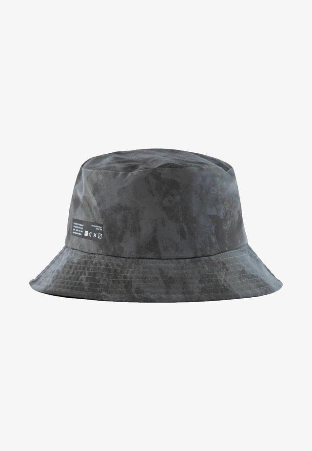 Klobouk - grey