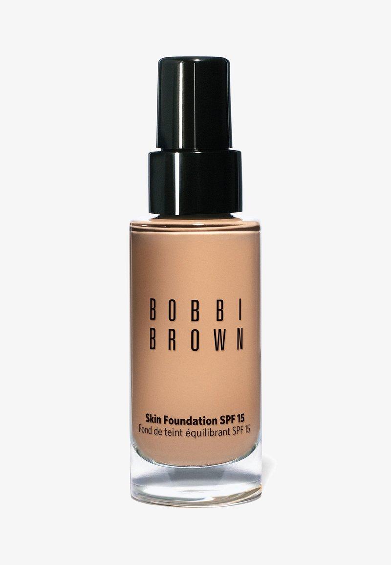 Bobbi Brown - SKIN FOUNDATION SPF15 - Foundation - n-042 beige