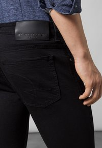 Baldessarini - Slim fit jeans - black black rinsed - 4