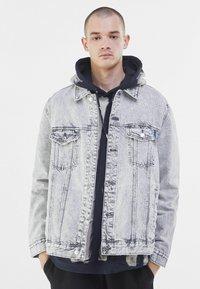 Bershka - Veste en jean - grey - 0
