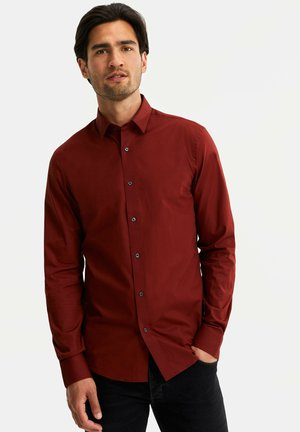 WE FASHION HERREN-SLIM-FIT-HEMD MIT STRETCHANTEIL - Koszula - burgundy red